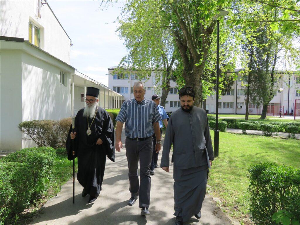 Епископ Милутин у посети Казнено – поправном заводу Ваљево