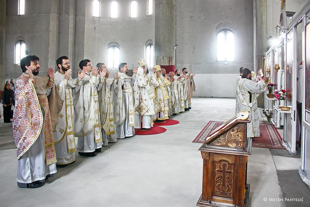 Владика Милутин и Владика Силуан служили Свету Архијерејску Литургију у Саборном храму