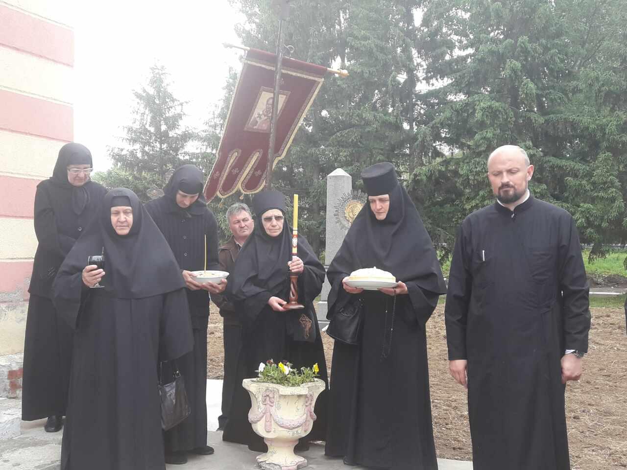 Пренос моштију Светог Оца Николаја – слава манастира Грабовац