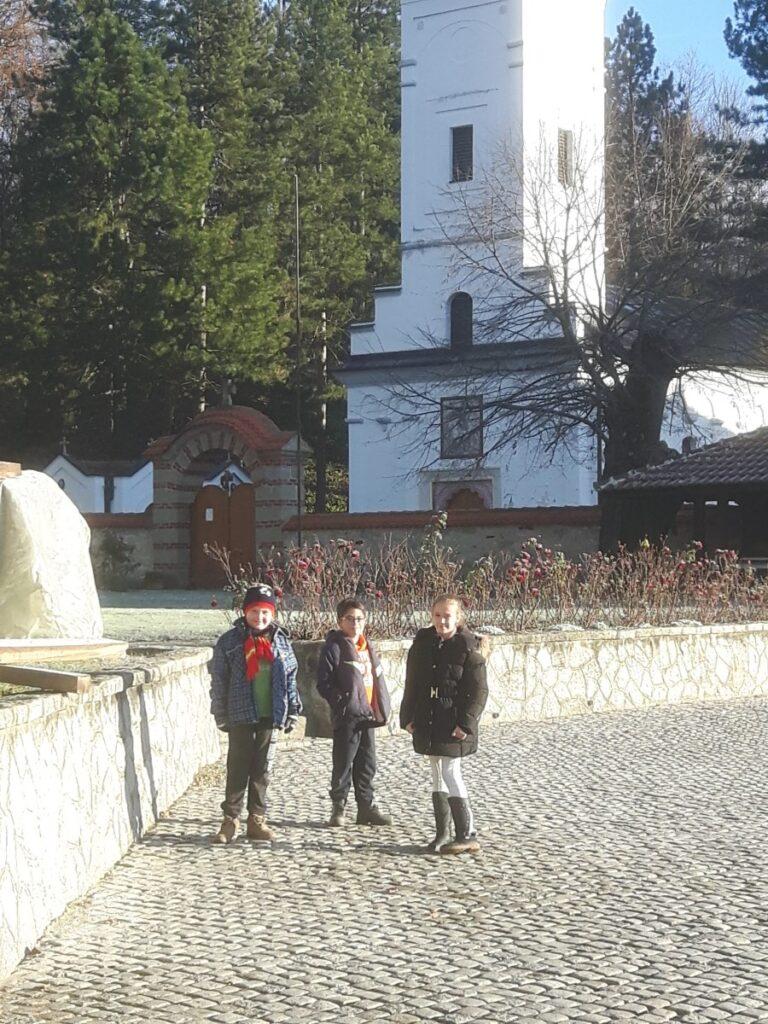 Час веронауке у манастиру Боговађа