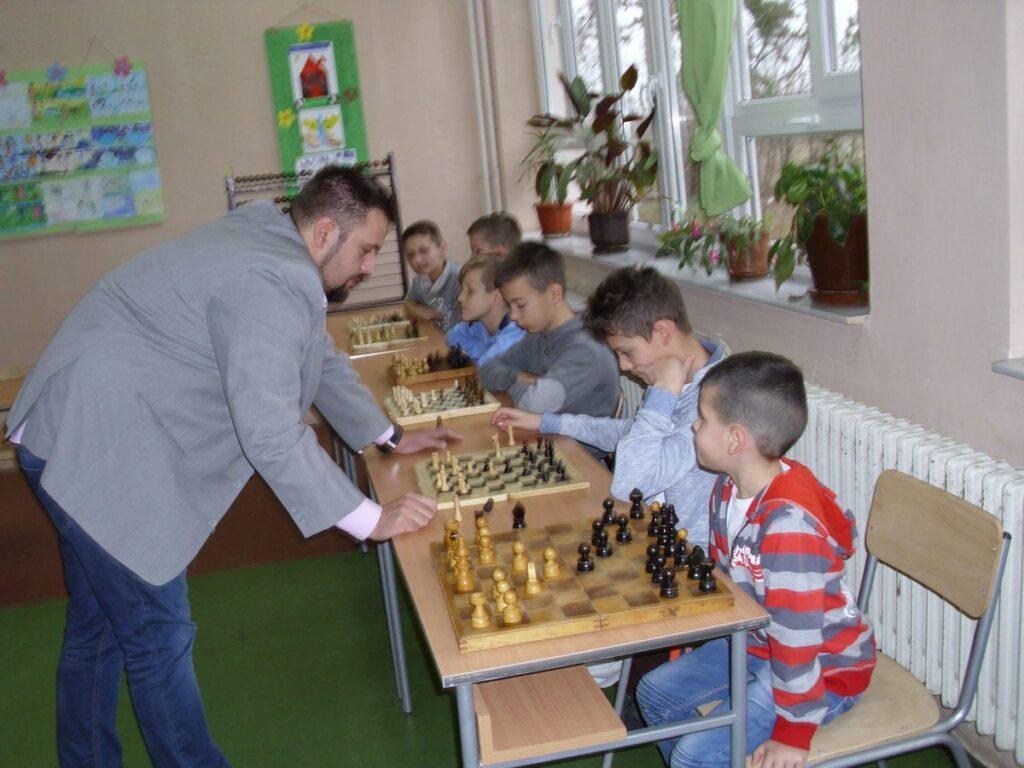 Божићна шаховска симултанка у Грабовцу