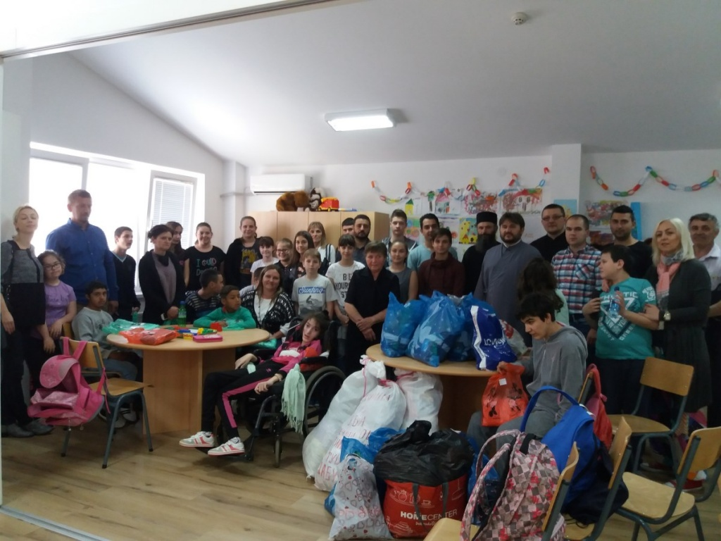 "Хуманитарна акција ""Васкршњи дар"" ученика веронауке тамнавског намесништва"
