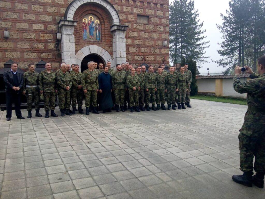 Команда за обуку Војске Србије на поклоњењу светињама Ваљевске епархије