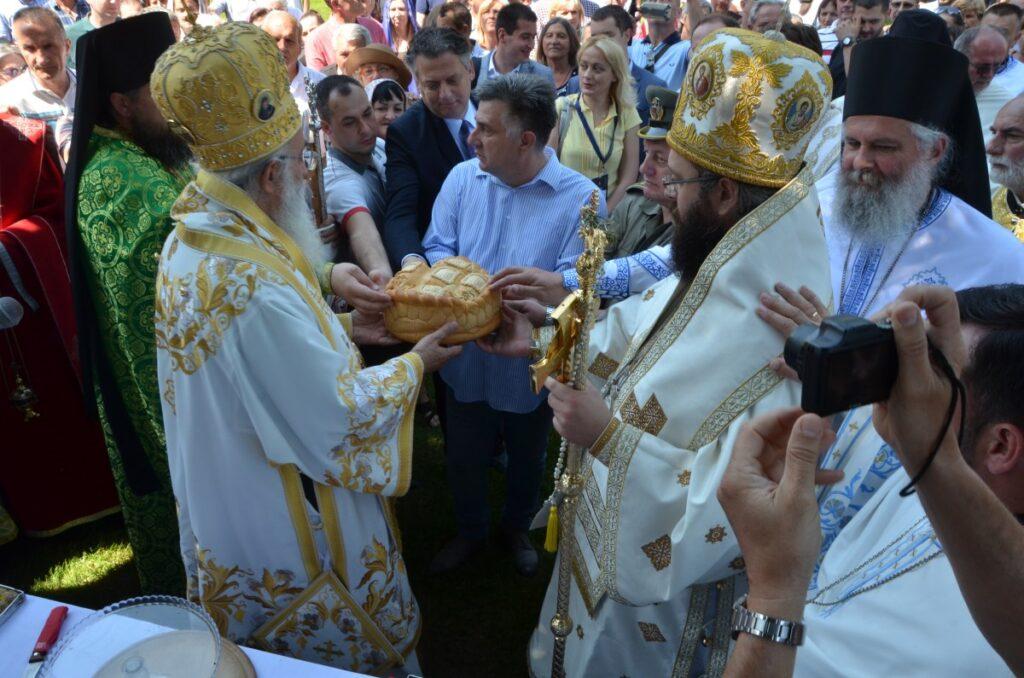 Тројичне свечаности у Ваљеву – слава града и пренос моштију Светог Нектарија Егинског
