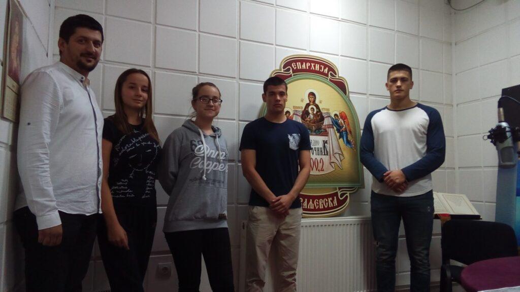 """Ученици Економске школе отворили нову сезону  емисије """"Кад анђели проговоре"""""""