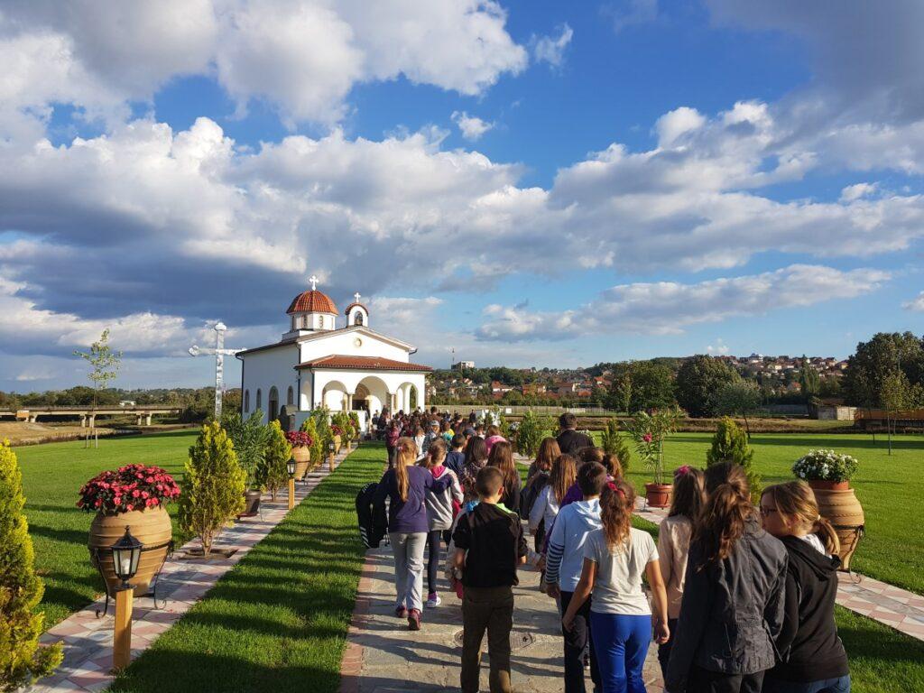 Ђаци у посети Саборном Храму и Храму Светог Нектарија у Ваљеву