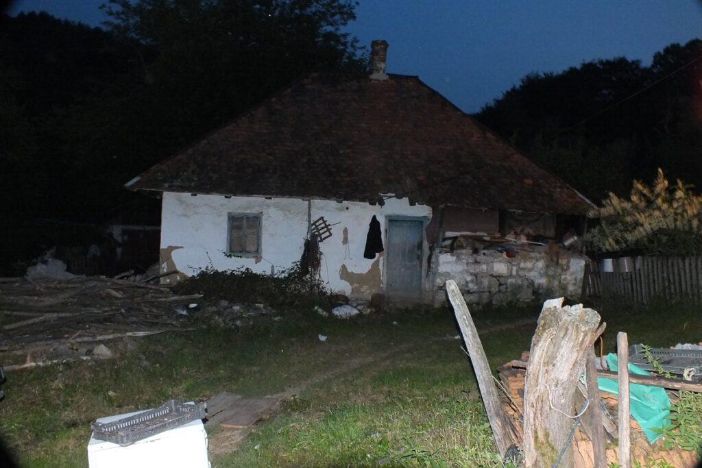 Чланови ПНХЗ-а помажу мештанима ваљевских села