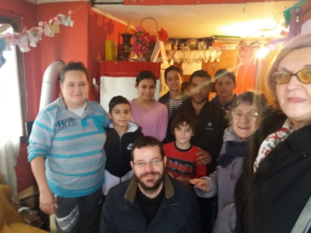 Коло српских сестара обезбедило огрев породици Митровић