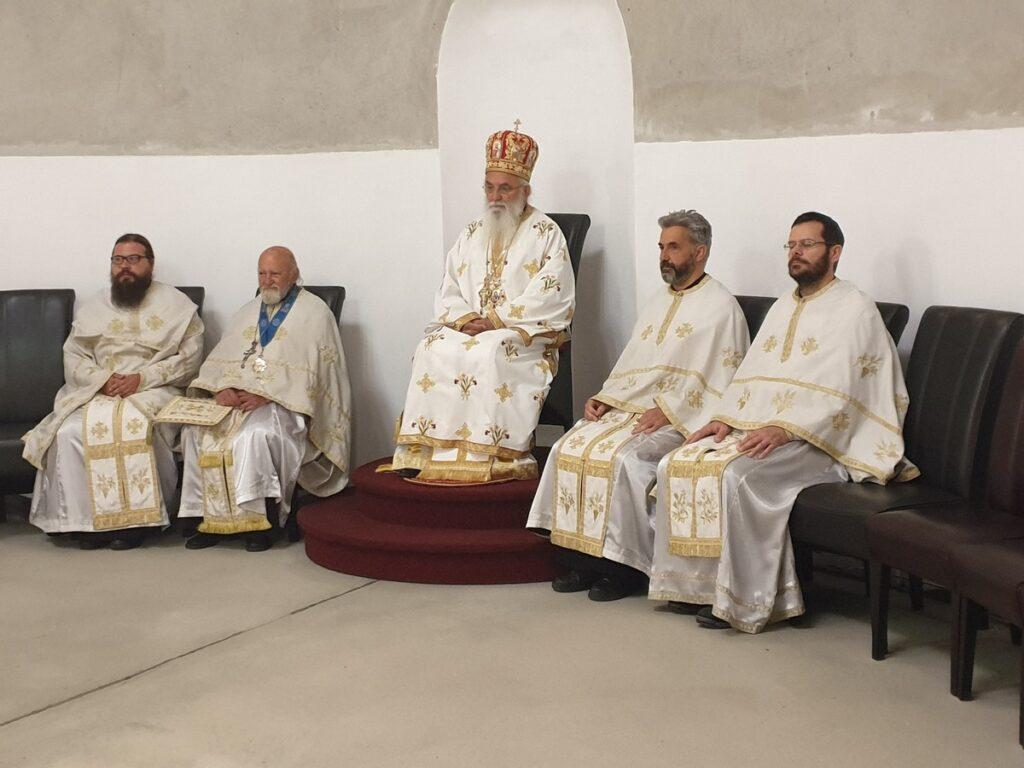 Епископ Милутин у Томину недељу служио у саборном храму