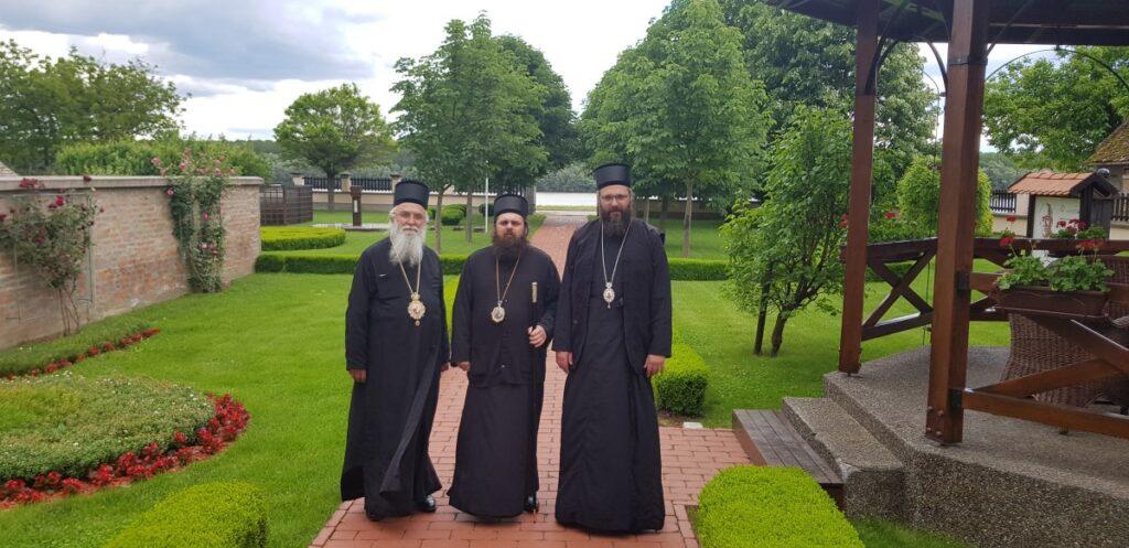 Епископи Милутин и Силуан у посети Епископу Херувиму и светињама Епархије осечкопољске и барањске