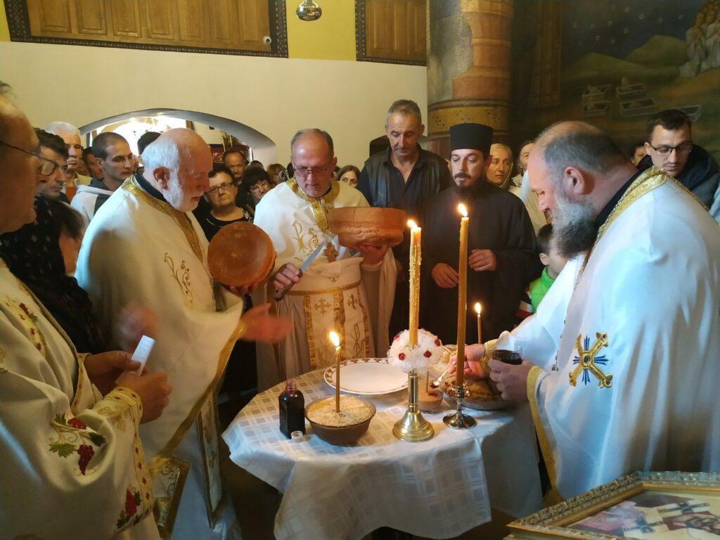 Прослава храмовне славе и јубилеја проте Томе Павловића у манастиру Лелић