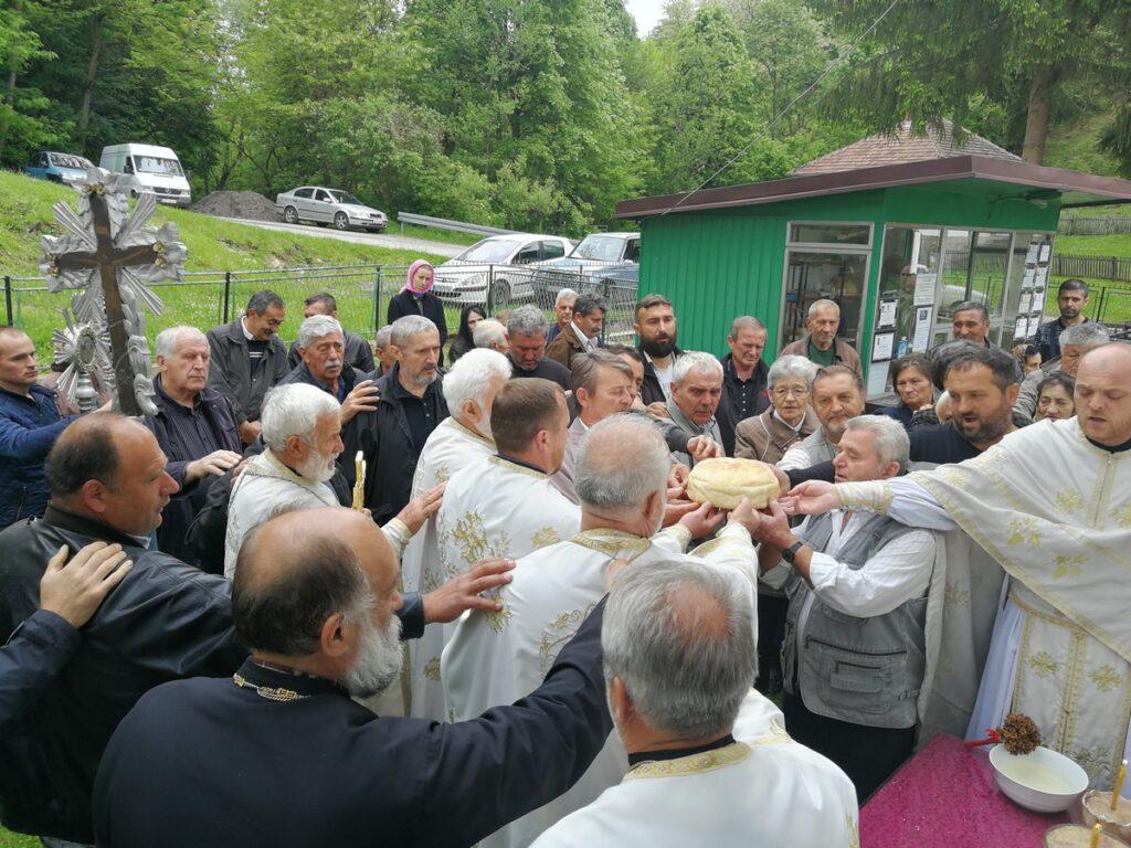 Црквена слава Преноса моштију Светог Оца Николаја Мирликијског у Причевићу