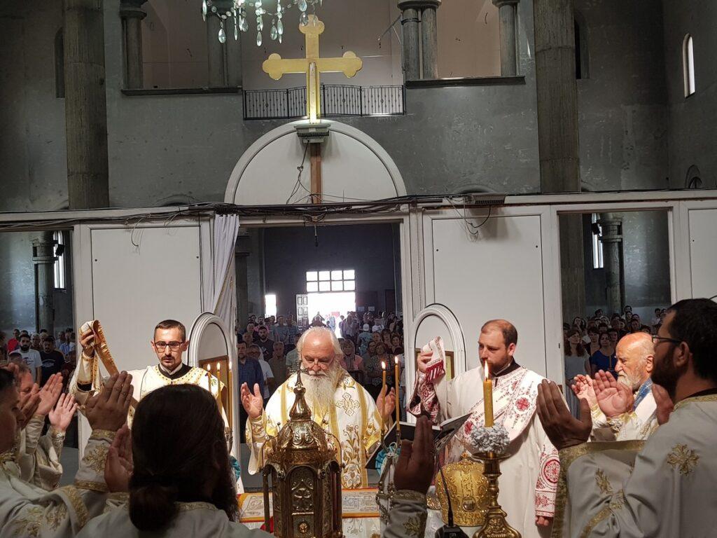 У Недељи Свих Светих Епископ Милутин служио у саборном храму