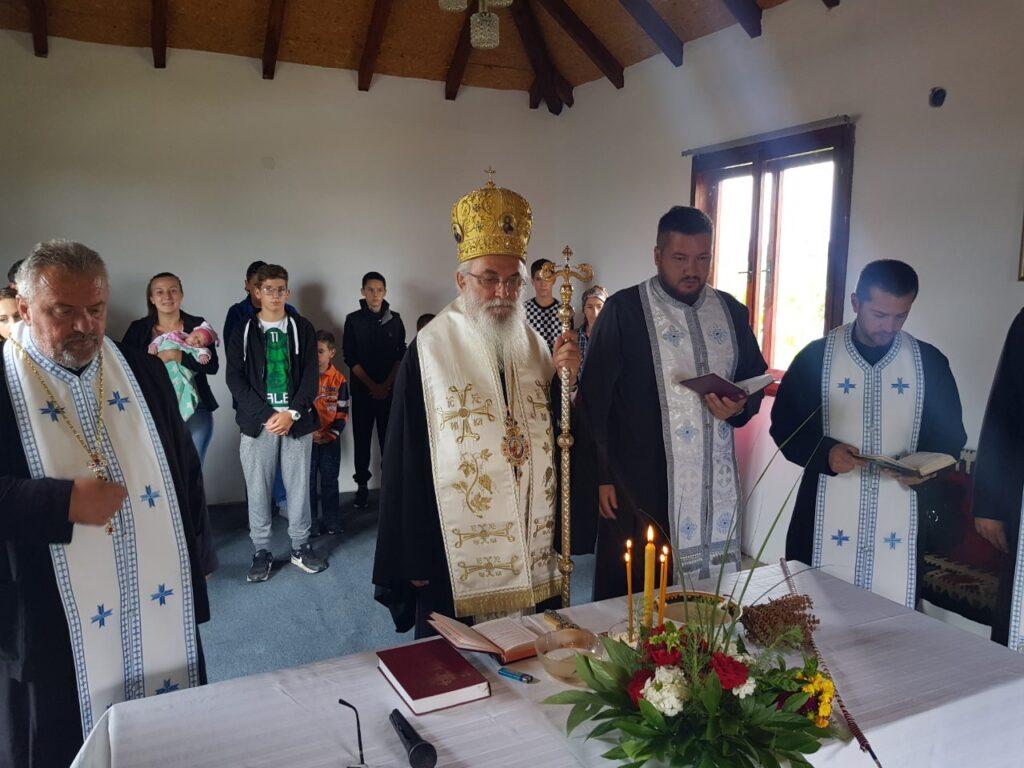 Епископ Милутин осветио молитвени дом у Козличићу