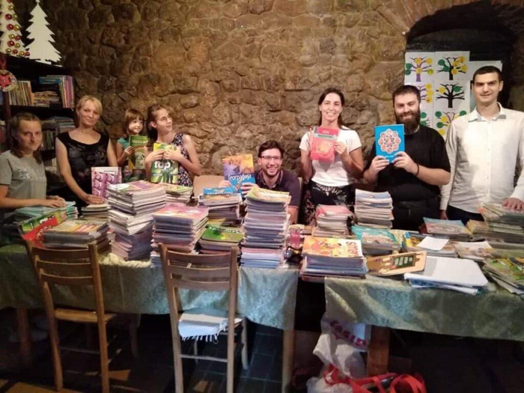 Прикупљање књига за ђаке у организацији Светосавске омладинске заједнице