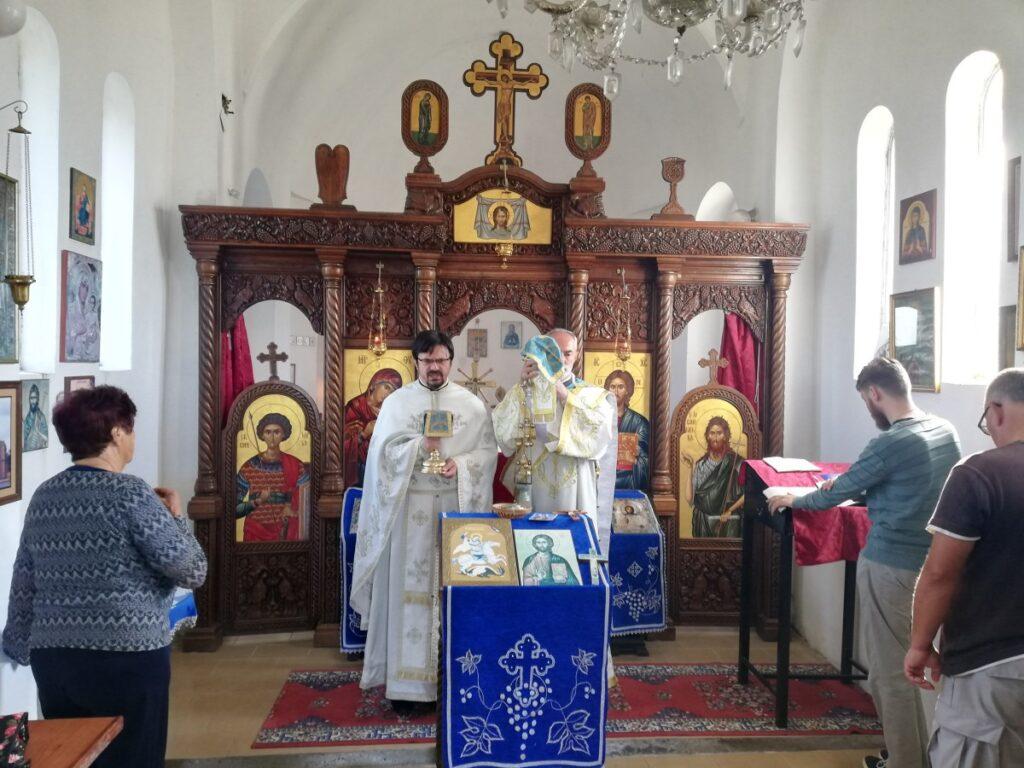 Света Литургија у задужбини оца Никонара у Дивцима