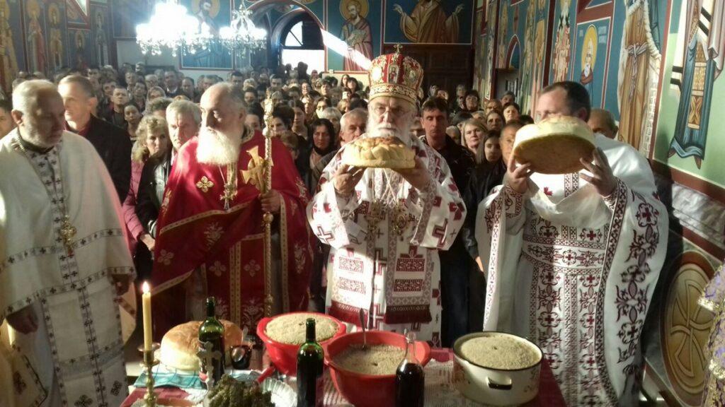 Пола века од рукоположења у јеромонашки чин Епископа ваљевског и слава богомољачког братства у Осечини