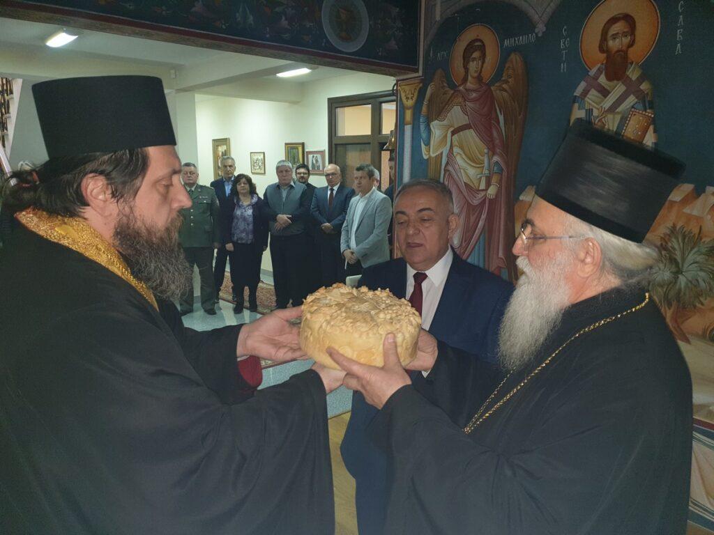 Епископ Милутин са пријатељима и сарадницима прославио крсну славу Јовањдан