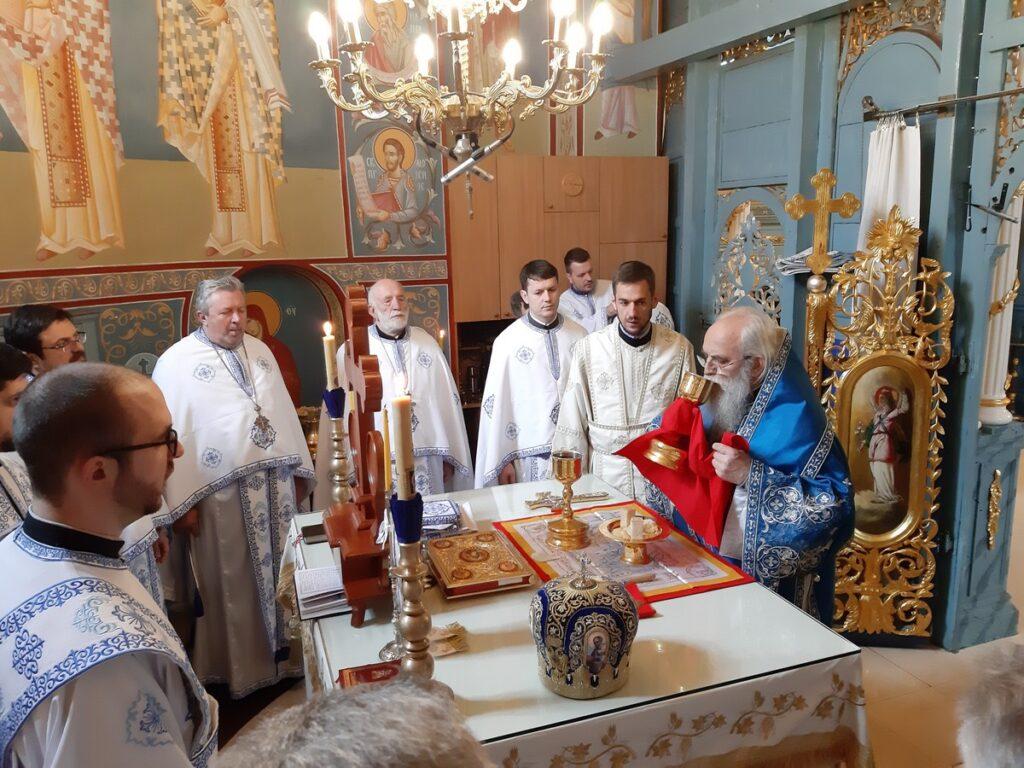 Владичанска Литургија и рукоположење на Сретење у Покровском храму