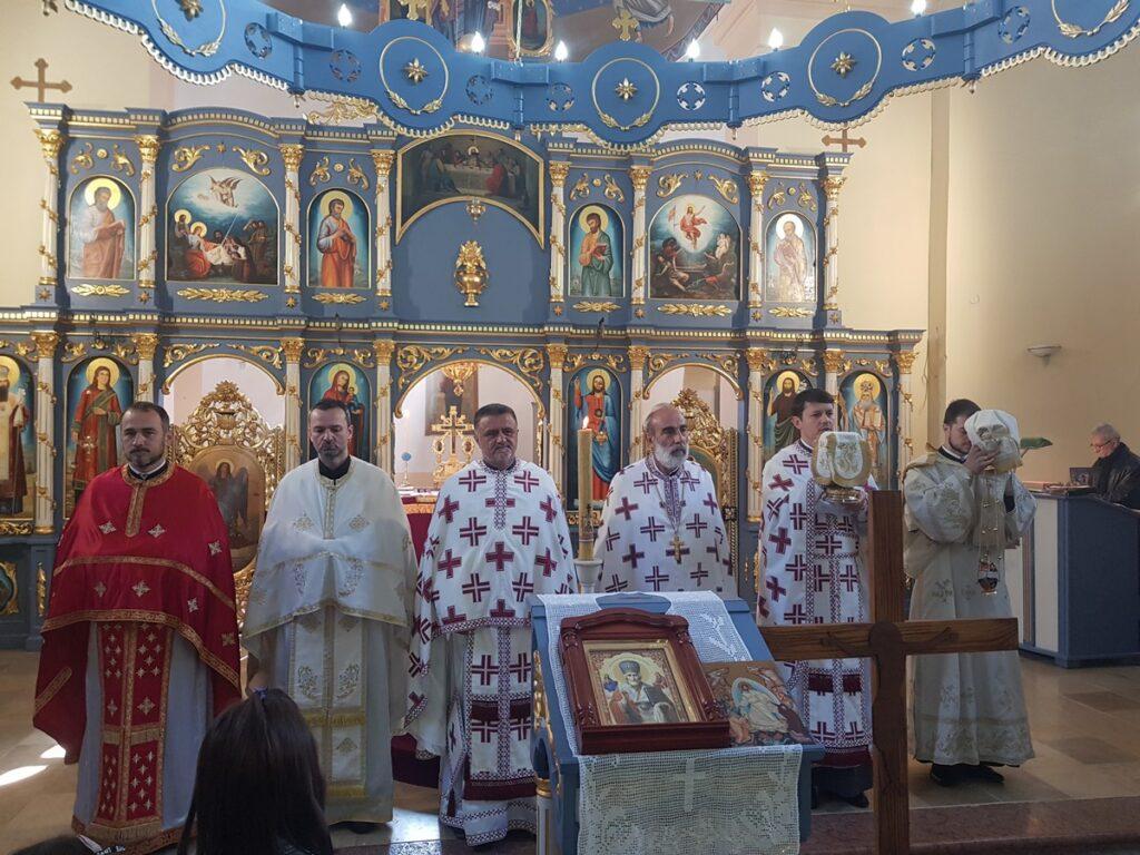 Црква Светог Оца Николаја у Рабровици прославила своју славу