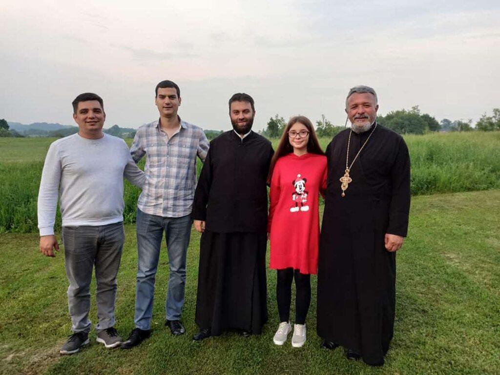 Чланови СОЗ –а у посети Милици Михаиловић из Бабајића