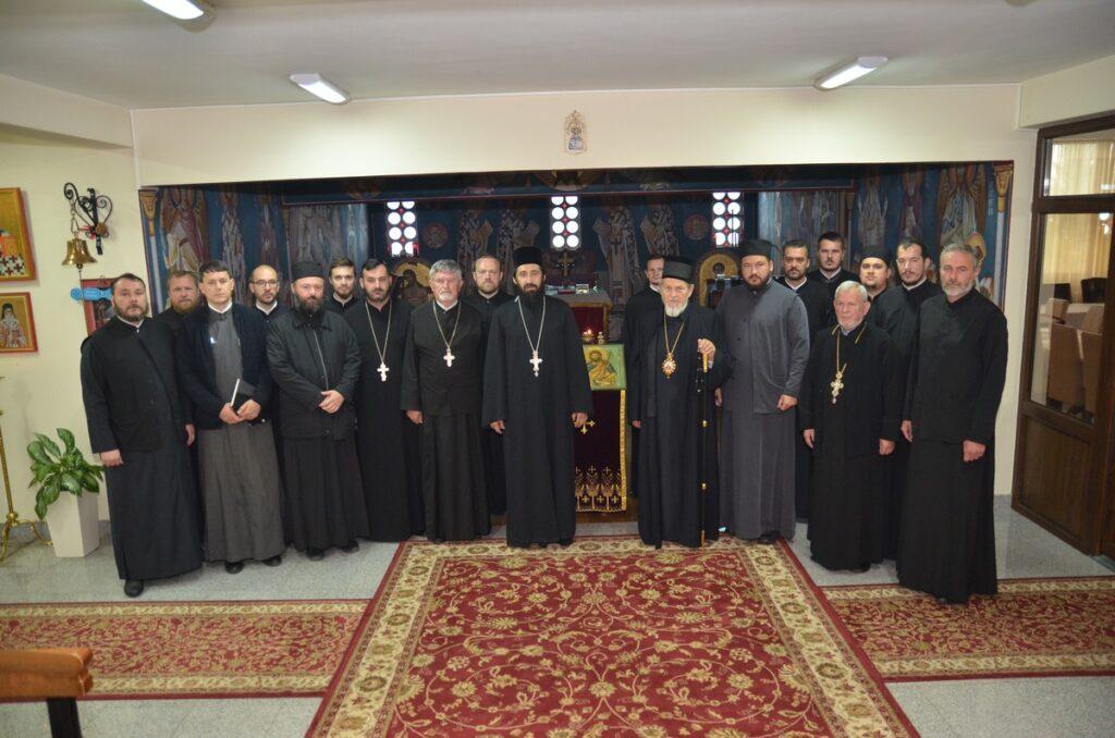 Епископ Лаврентије примио извештаје о раду и одслужио помен блаженоуснулом Владики Милутину
