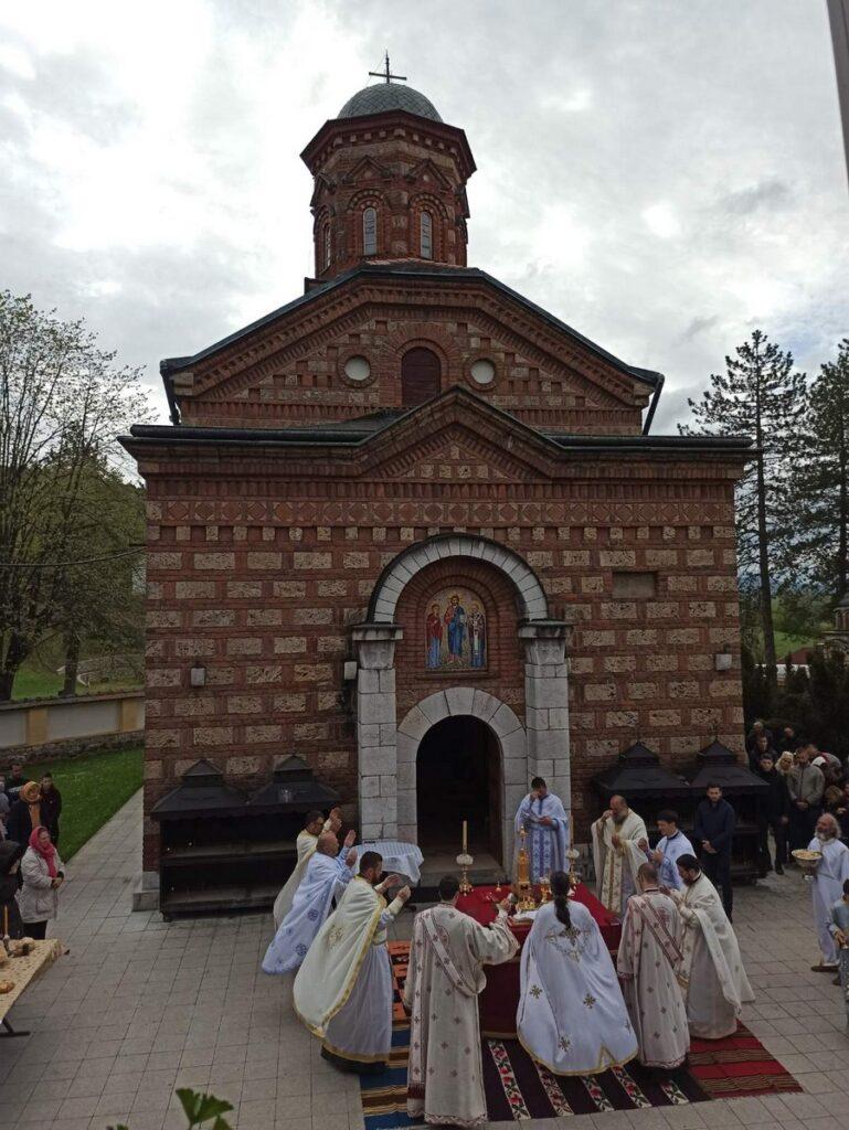 Недеља жена мироносица и ктиторска слава у манастиру Лелић