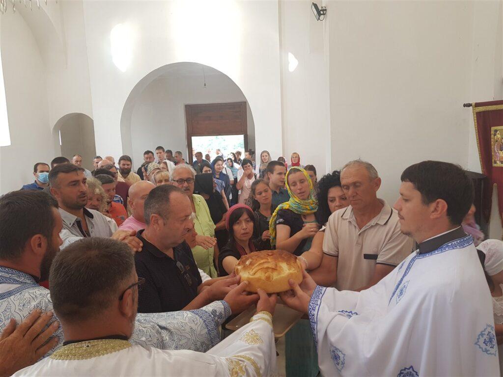 Молитвена свечаност у Доњим Лесковцама у част храмовне славе Благе Марије