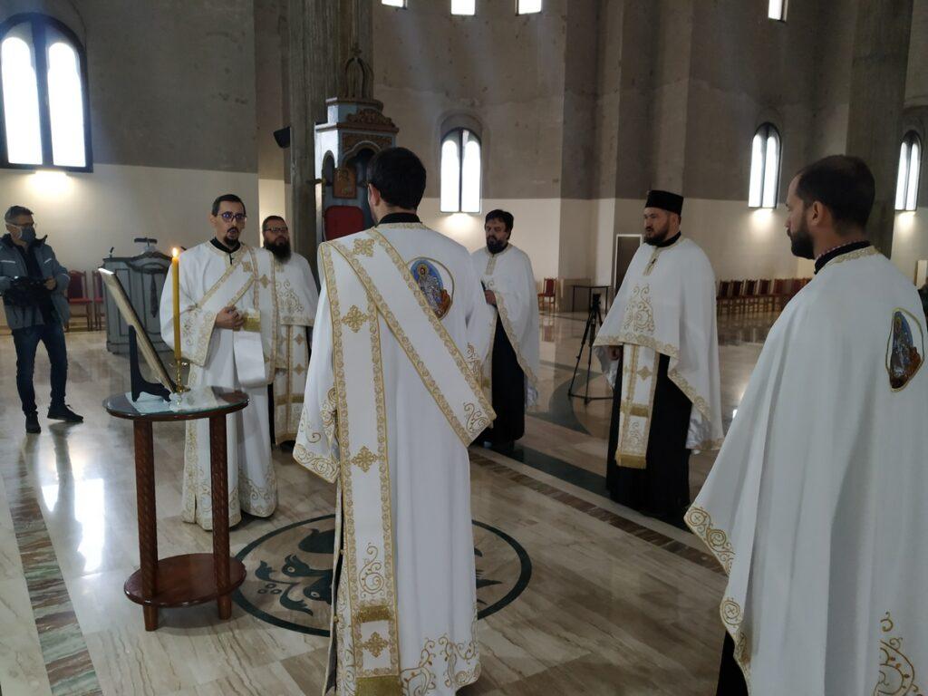 Молитве за блаженоуснулог Патријарха српског Иринеја у ваљевским храмовима