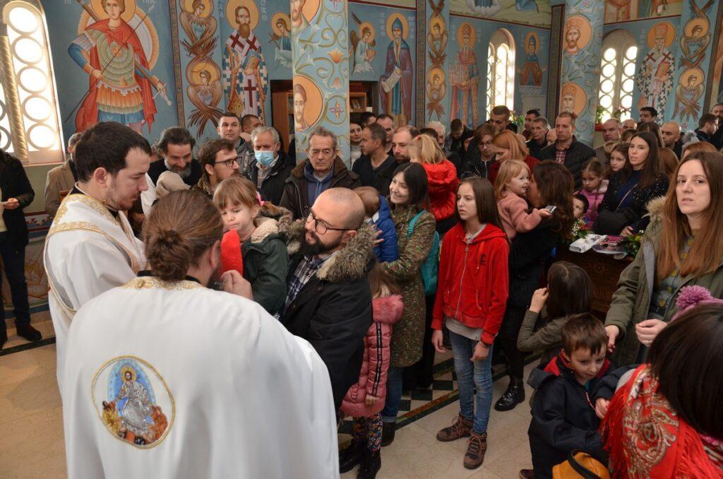 Божиић у Храму Светог Нектарија – фото