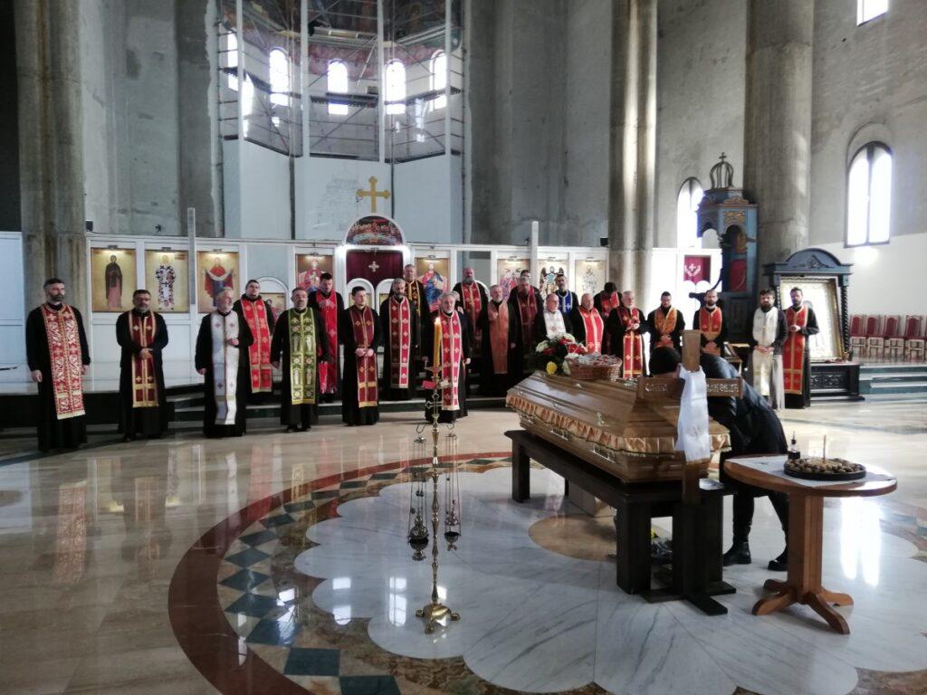 Молитвени опроштај од др Саше Пакевића