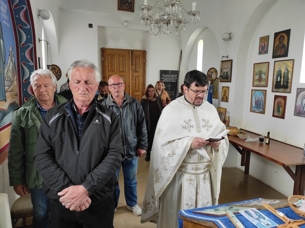 Литургија у Храму Светог великомученика Георгија у Дивцима