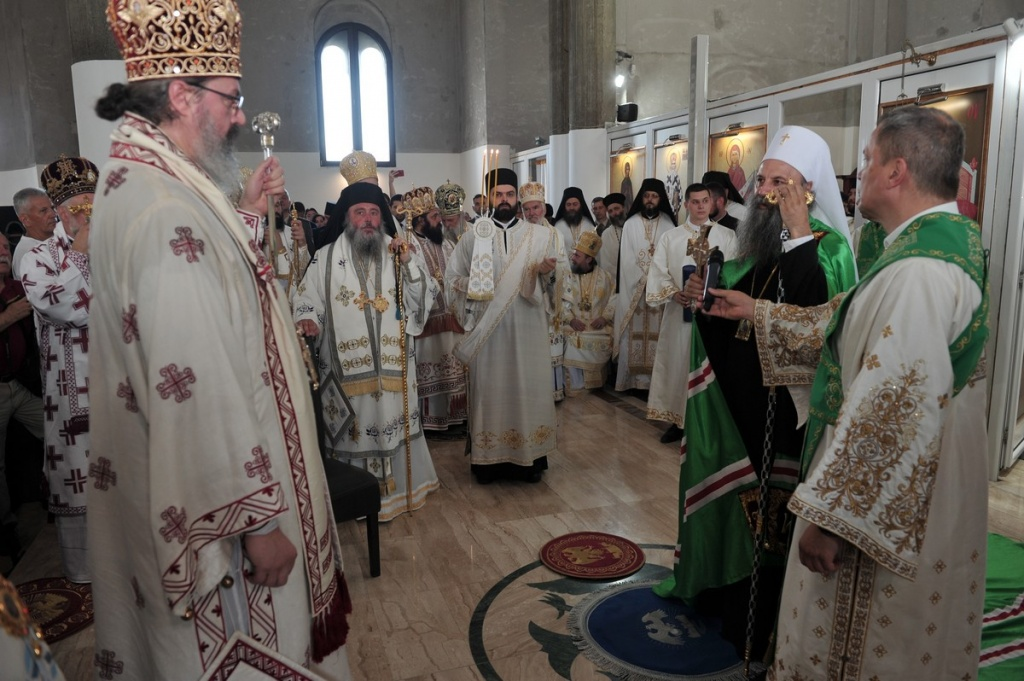 Епископ Исихије свечано устоличен у трон Епархије ваљевске